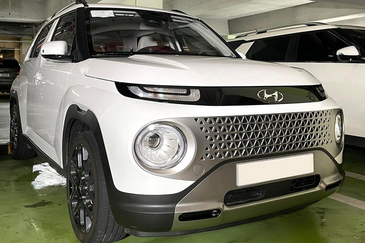 Tan thay SUV hang A sieu re - Hyundai Casper 2022 tren duong pho-Hinh-2