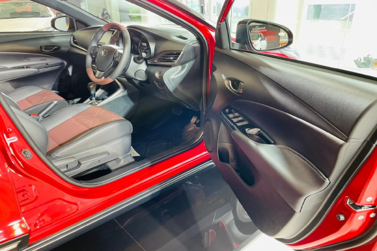 Toyota Yaris X-Urban 2022 - crossover nang dong tu 419 trieu dong-Hinh-7
