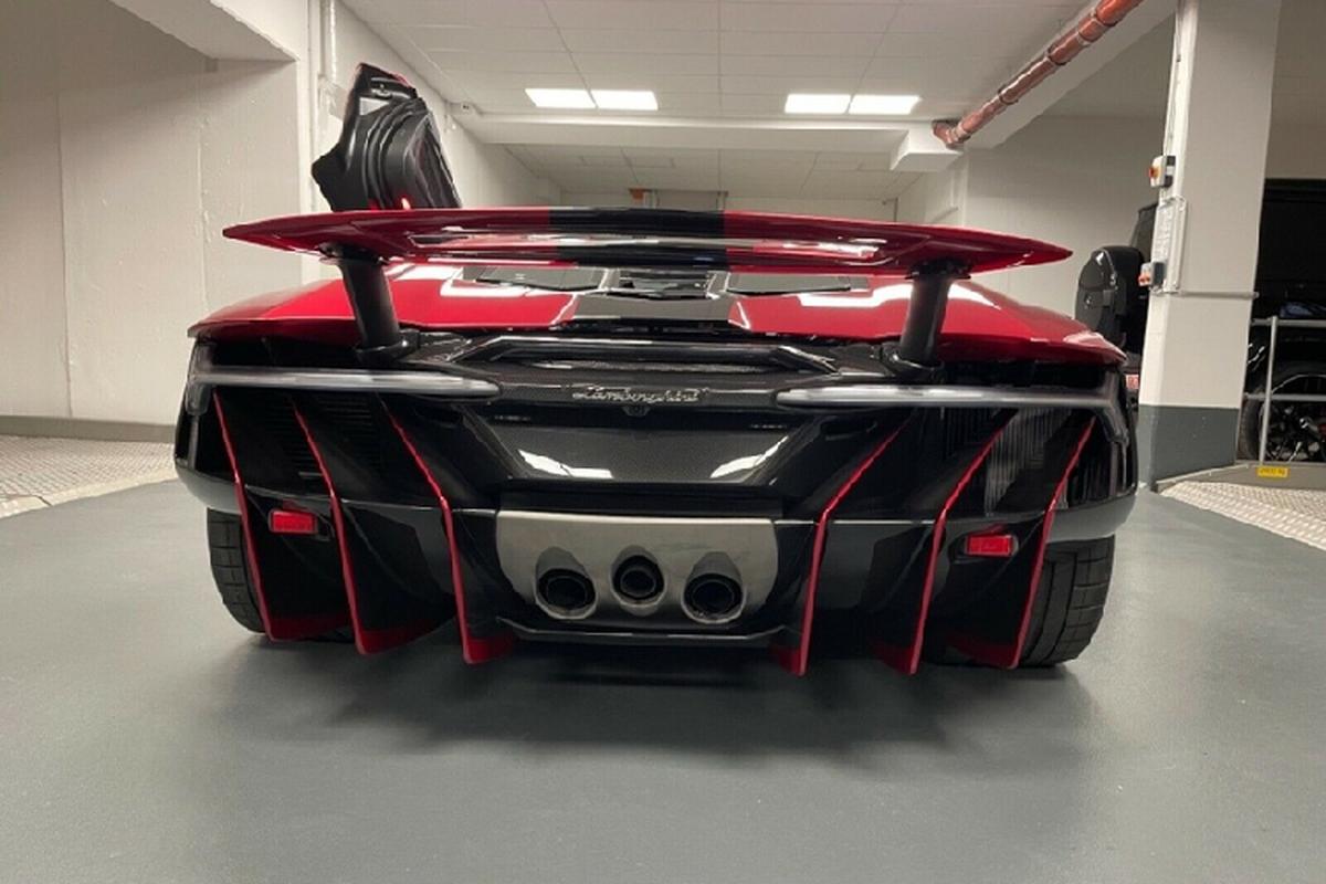 Sieu xe Lamborghini Centenario Roadster rao ban toi 126,7 ty dong-Hinh-2