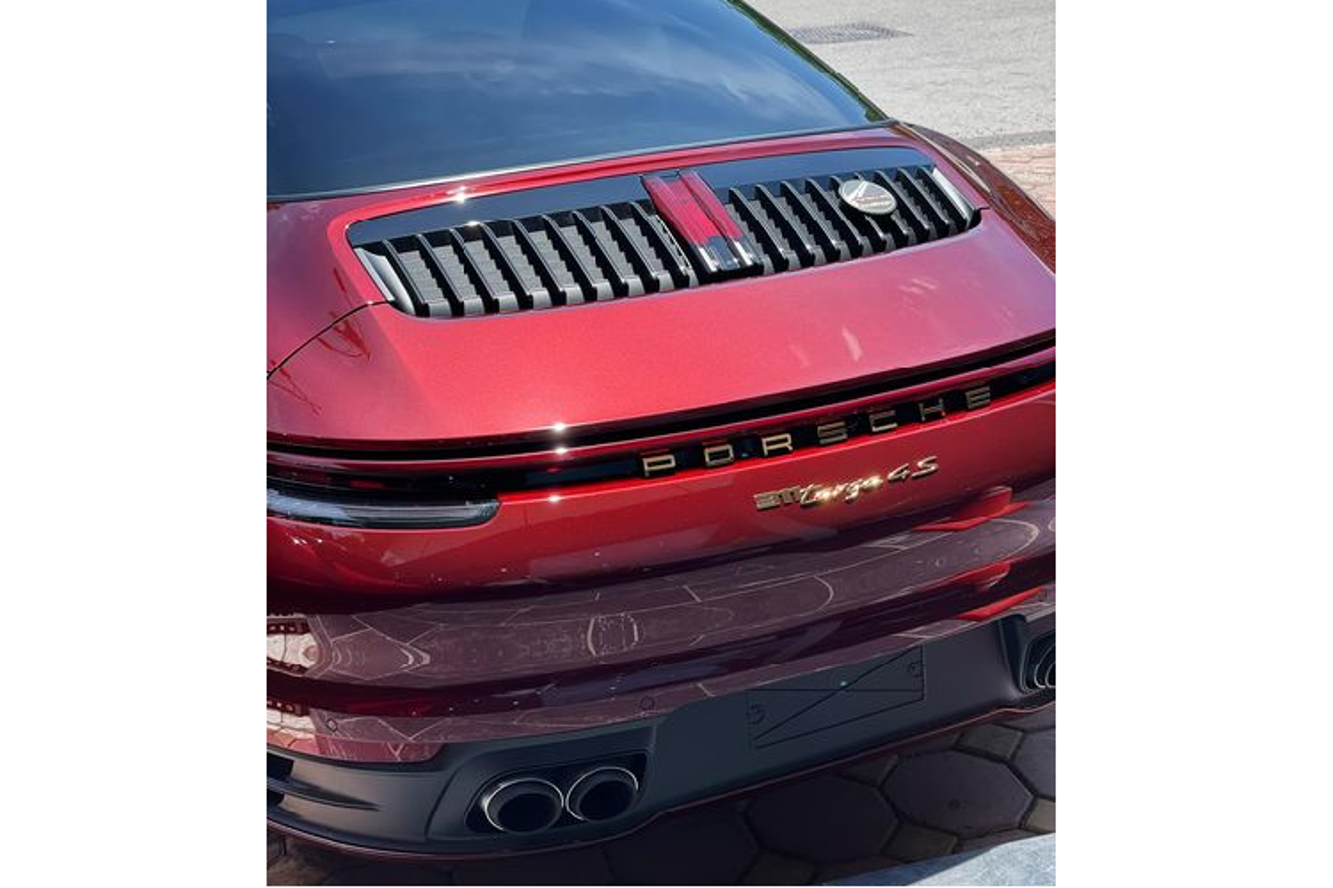 Porsche 911 Targa 4S Heritage Design gan 12 ty