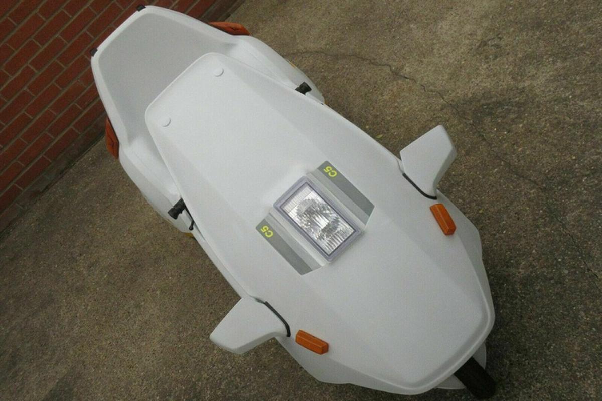 Sinclair C5 - xe dien 3 banh di truoc thoi dai, that bai tham hai-Hinh-3