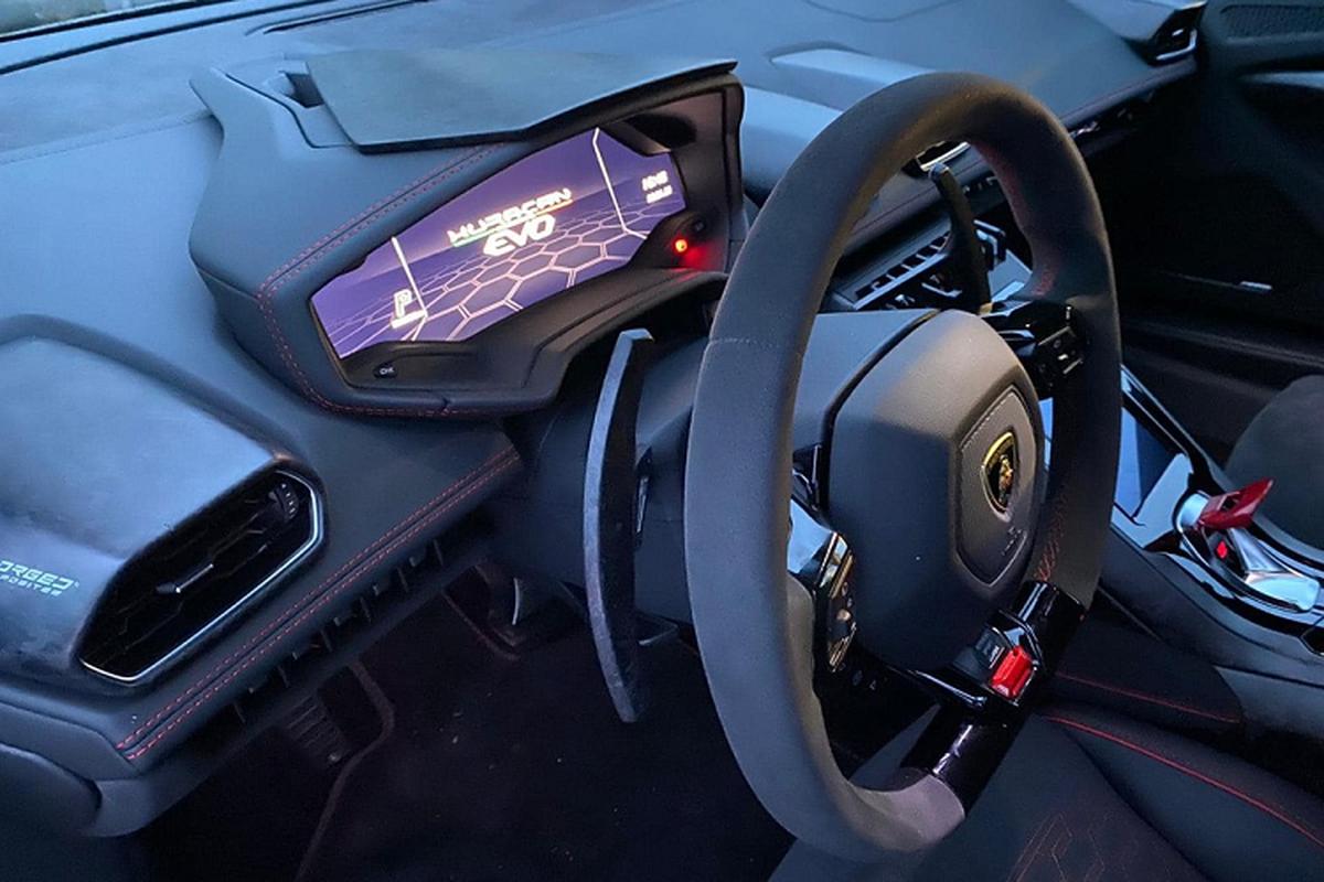 Lamborghini Huracan EVO khong duoi 15 ty tai Viet Nam lo noi that-Hinh-3