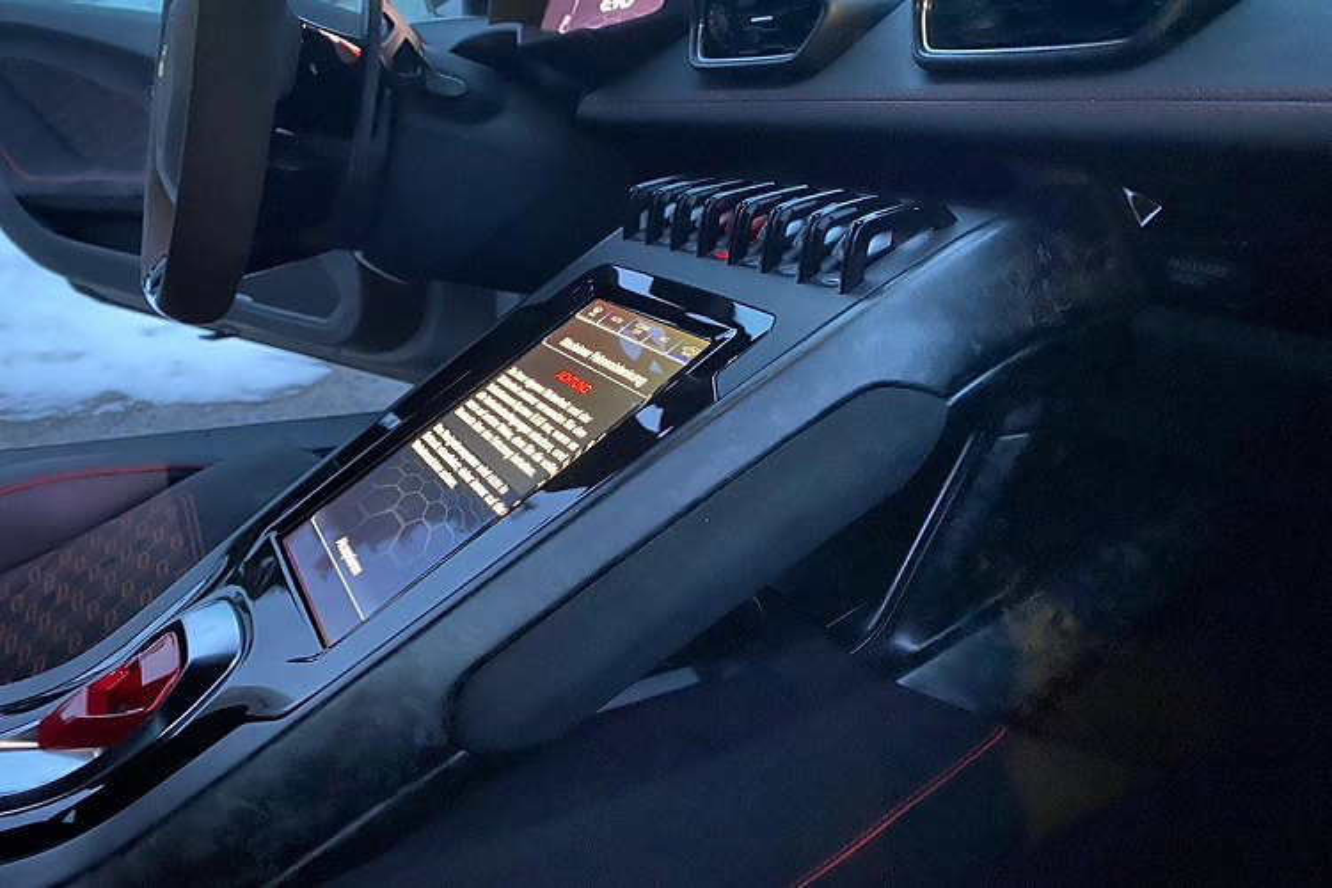 Lamborghini Huracan EVO khong duoi 15 ty tai Viet Nam lo noi that-Hinh-4
