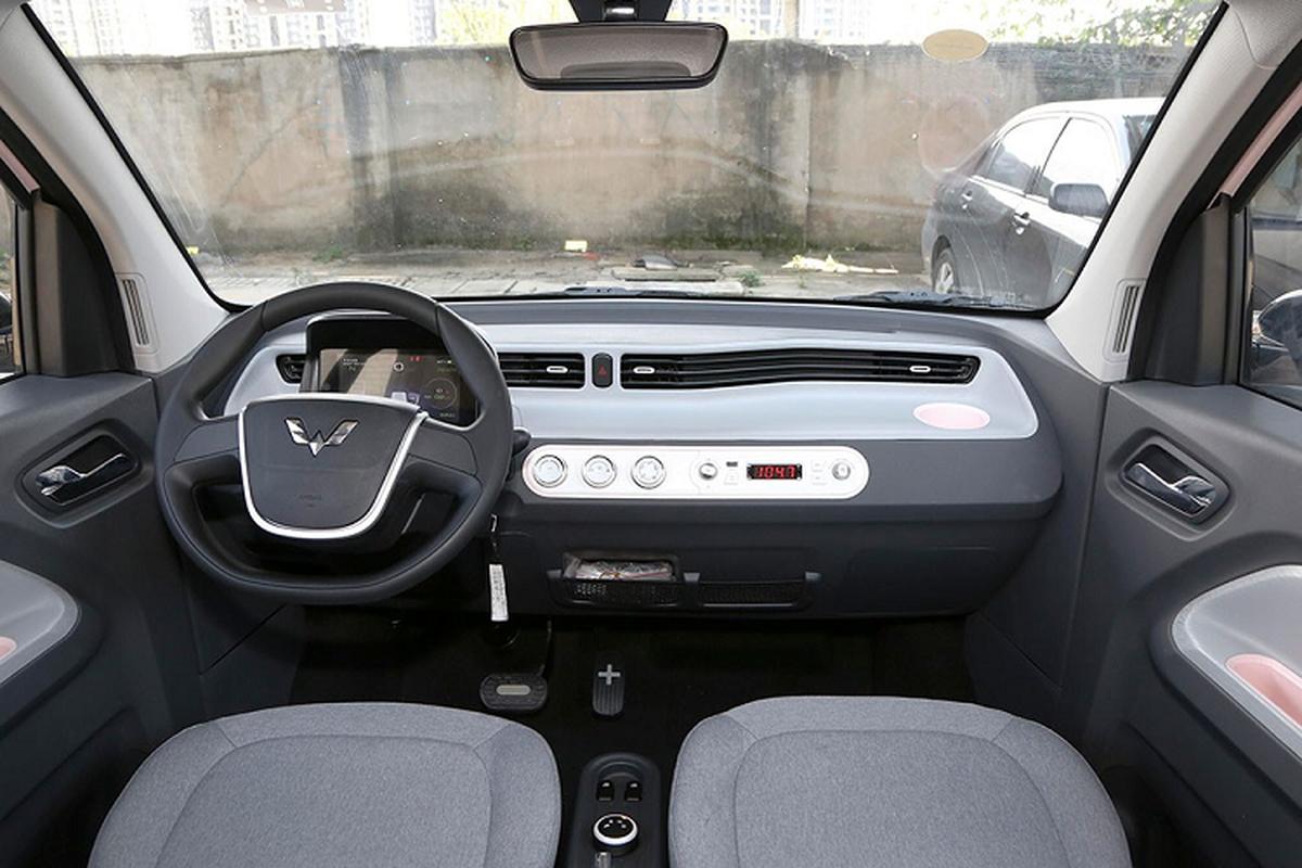 Xe oto gia 100 trieu dong - Wuling Hongguang Mini EV ban chay ky luc-Hinh-3