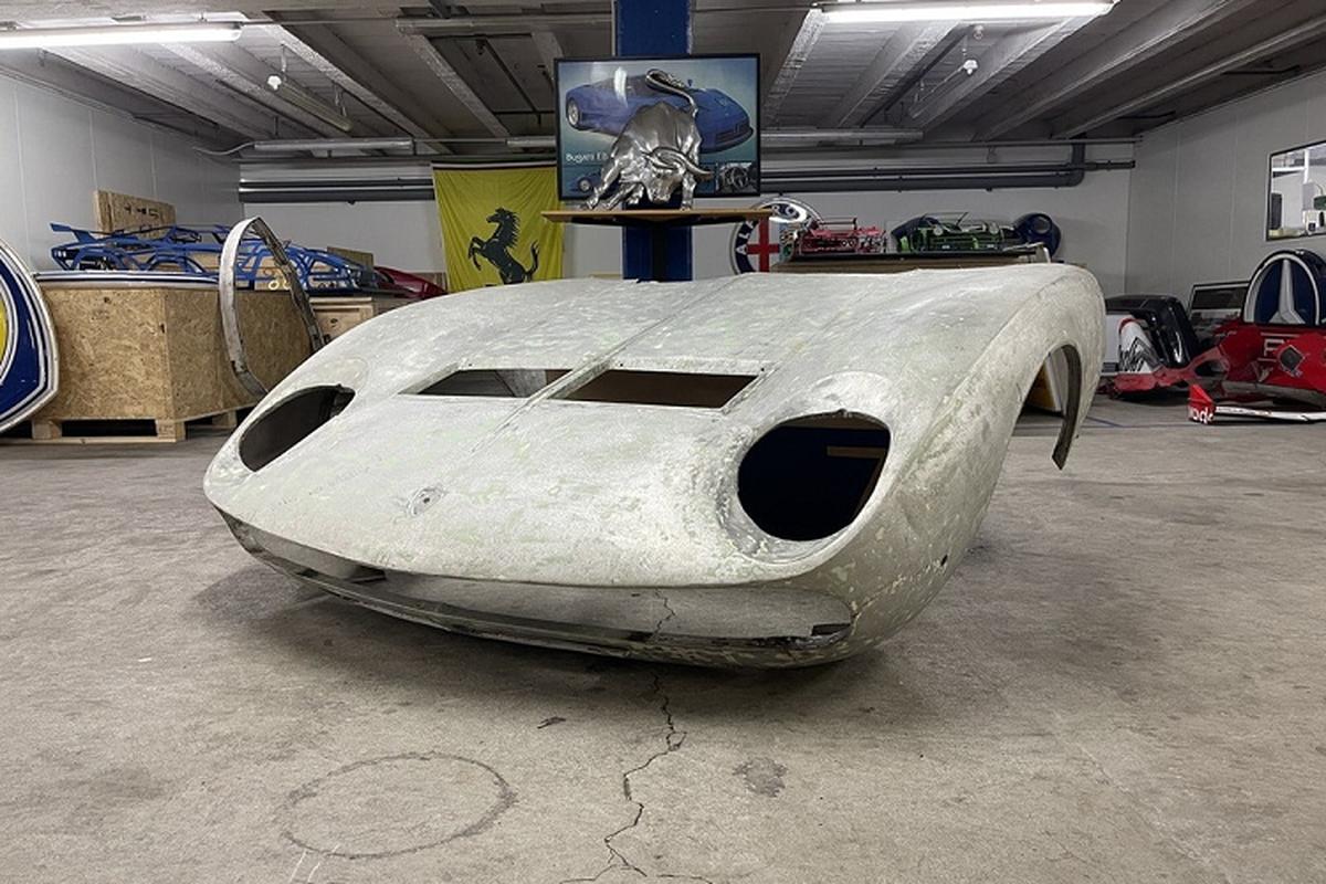Nap ca-po Lamborghini Miura SV dat ngang Kia Morning o Viet Nam
