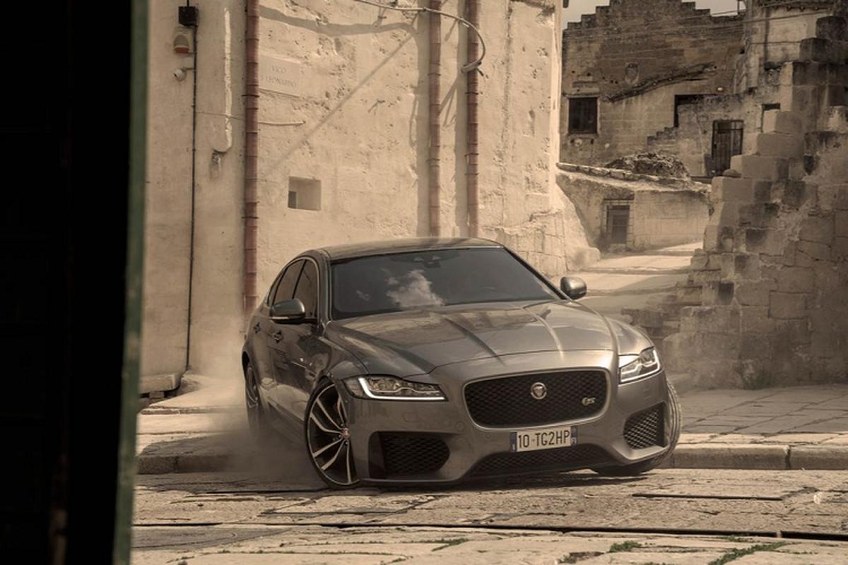"Jaguar XF lan dau ket hop voi diep vien 007 trong ""No Time To Die'""-Hinh-2"
