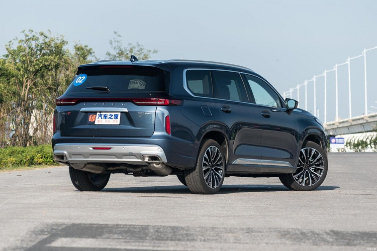Exeed Lanyue 400T 2021 - crossover