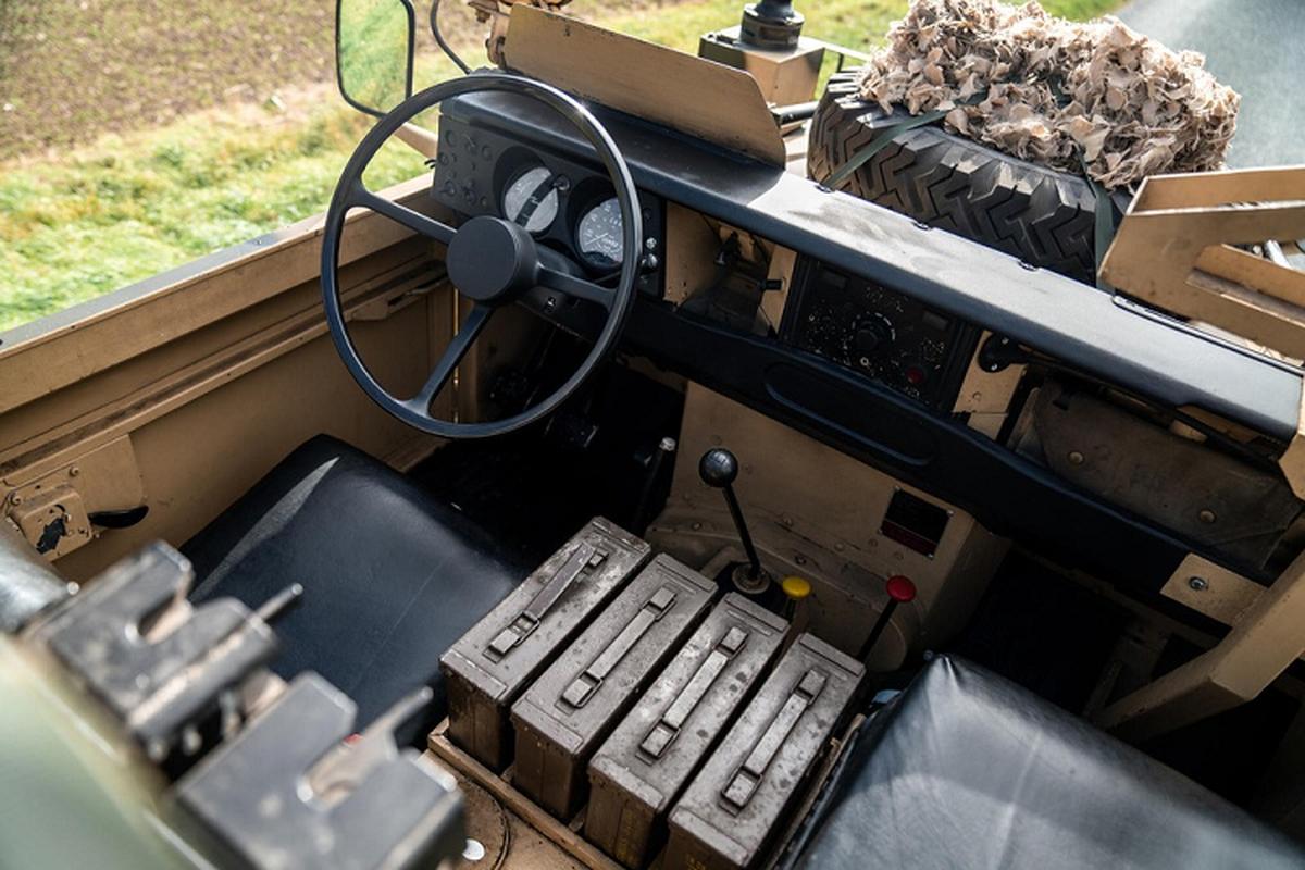 Land Rover gan sung may duoc phep chay pho, chi tu 310 trieu dong-Hinh-5