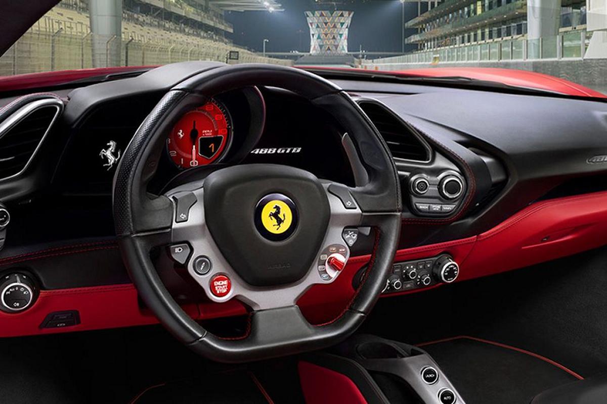 "Dai gia Sai Gon dau long vi Ferrari 488 GT ""trum men"