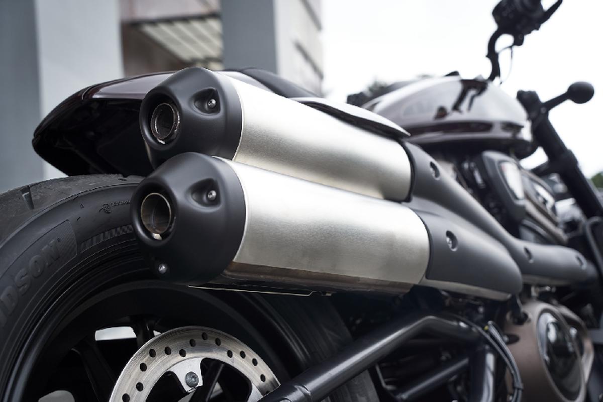 Harley Davidson Sporster S moi sap ve Viet Nam, tu 589 trieu dong-Hinh-3