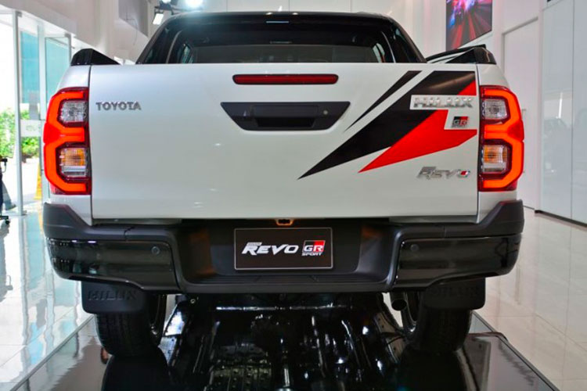 Chi tiet Toyota Hilux GR Sport 2022, tu 868 trieu dong tai Nhat Ban-Hinh-8