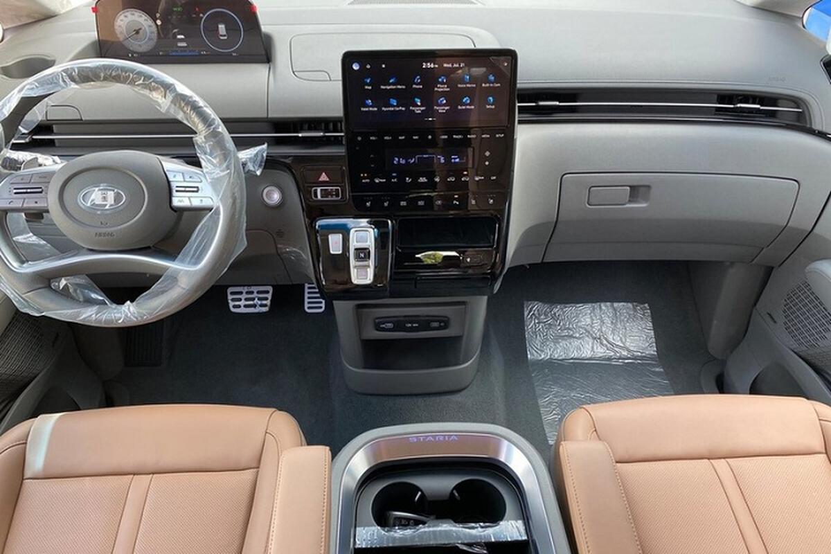 Hyundai Staria Kinder 2022 - xe buyt truong hoc tu 661 trieu dong-Hinh-4