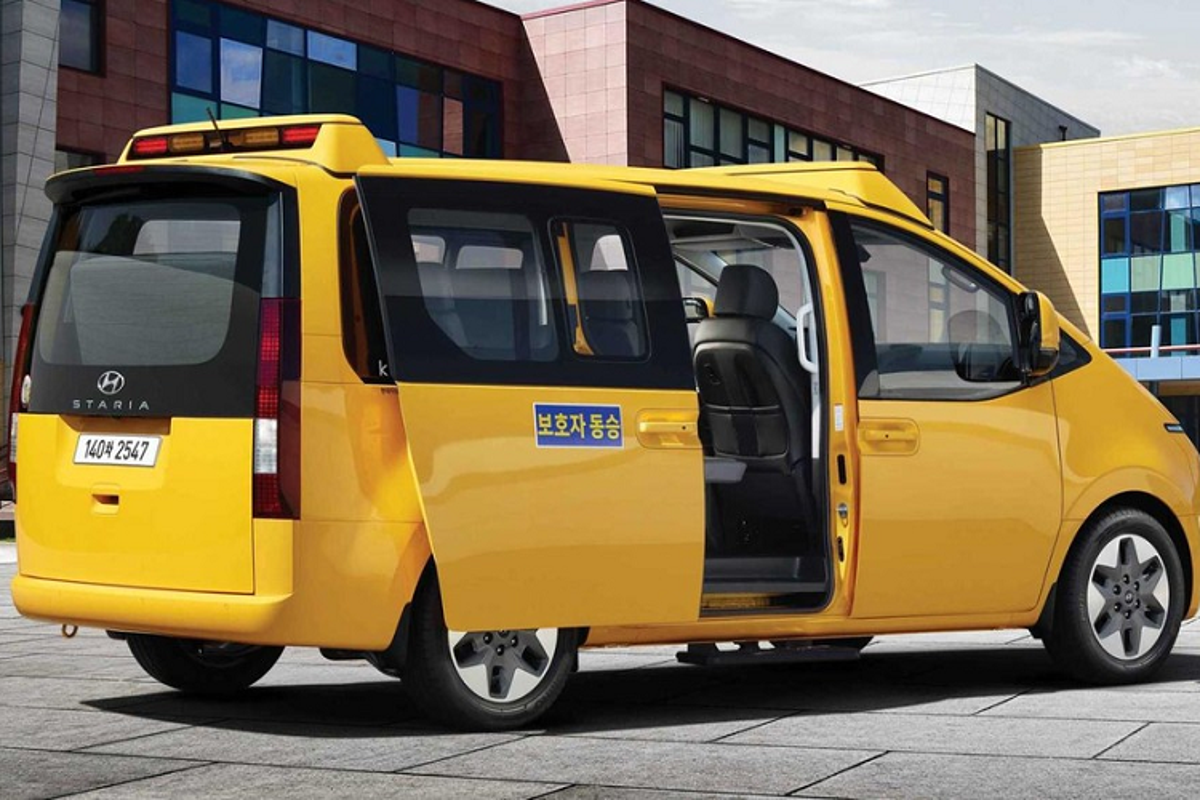 Hyundai Staria Kinder 2022 - xe buyt truong hoc tu 661 trieu dong-Hinh-8