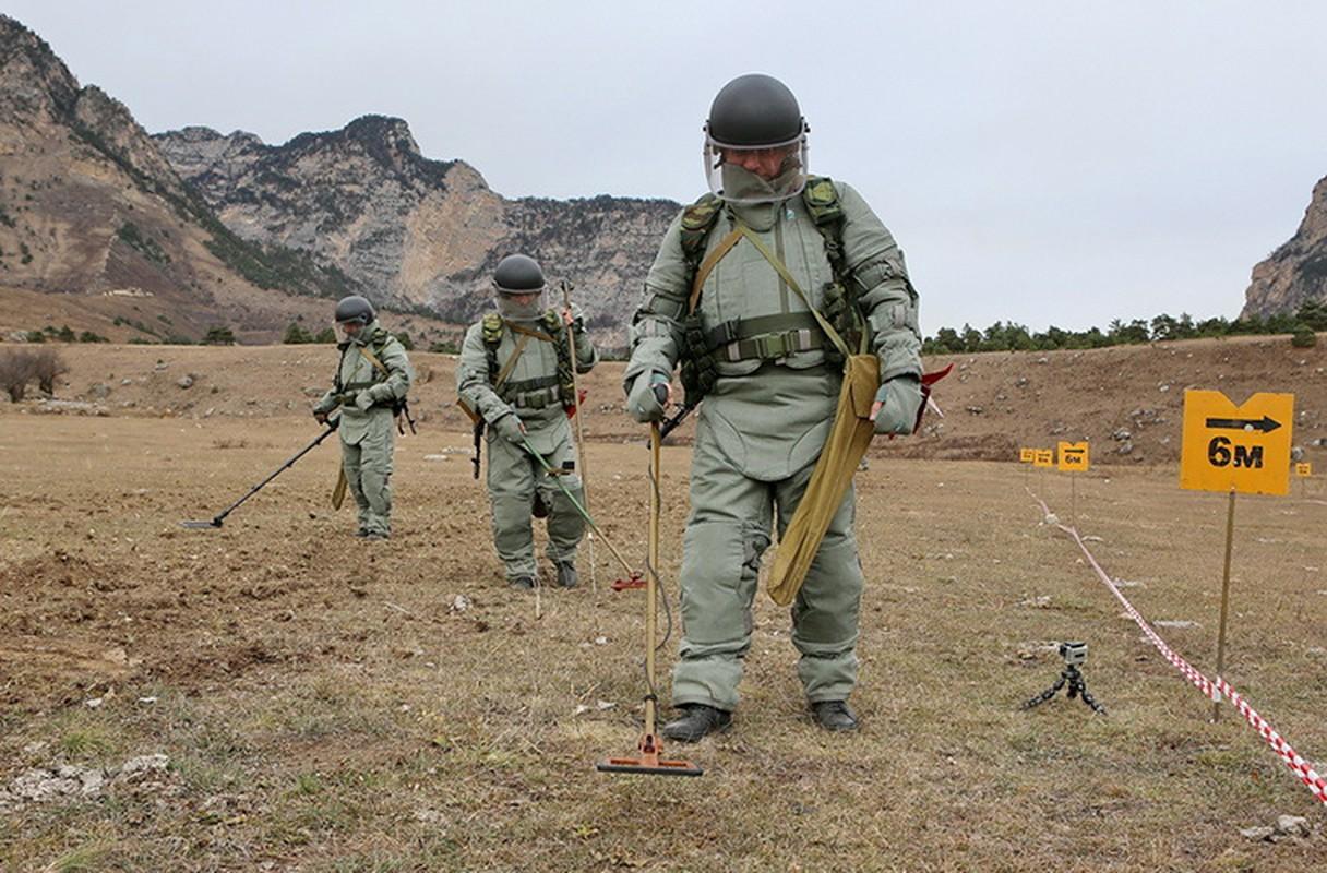 Ngam suong mat trang bi ra pha bom cua linh Cong binh Nga-Hinh-3