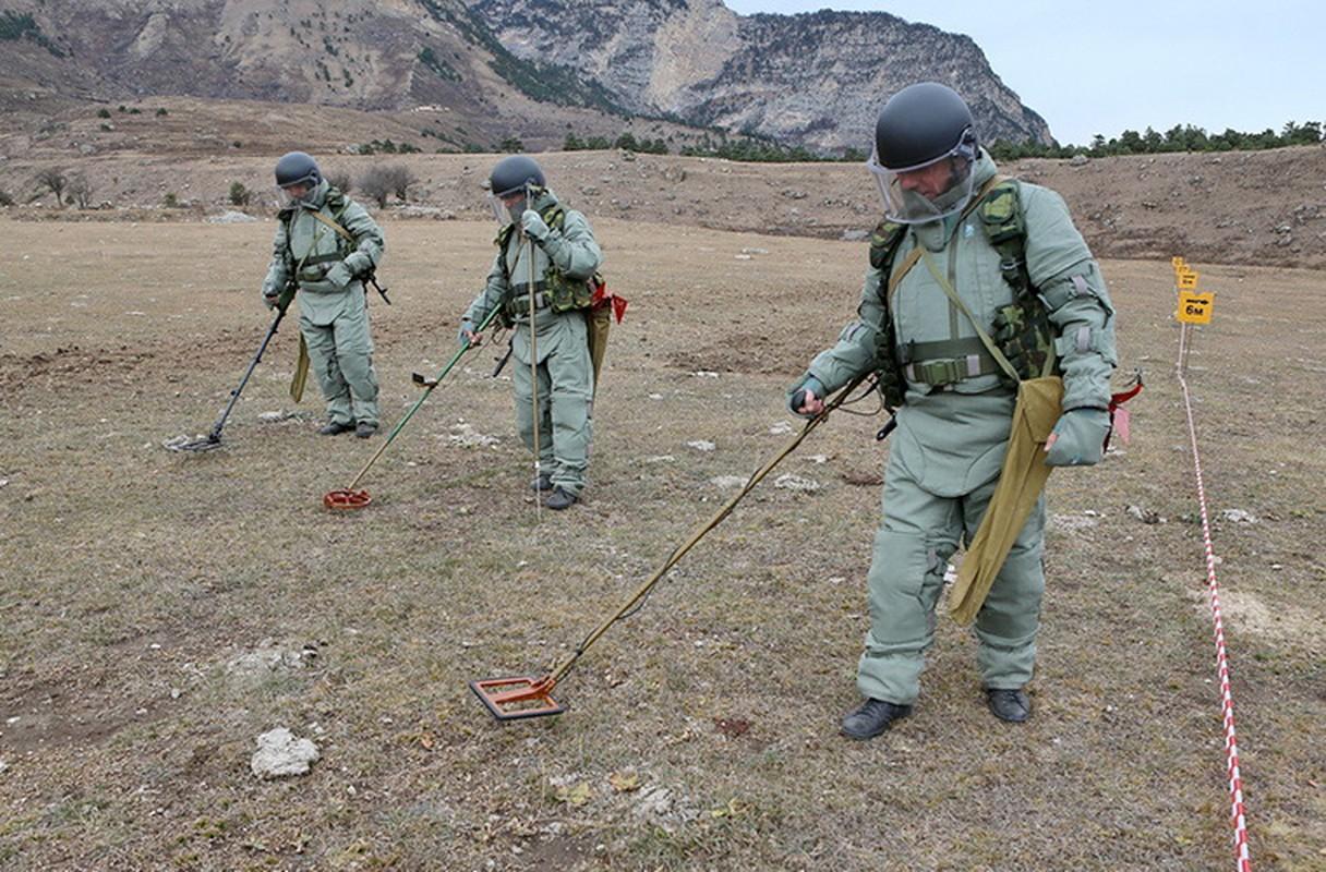 Ngam suong mat trang bi ra pha bom cua linh Cong binh Nga-Hinh-4