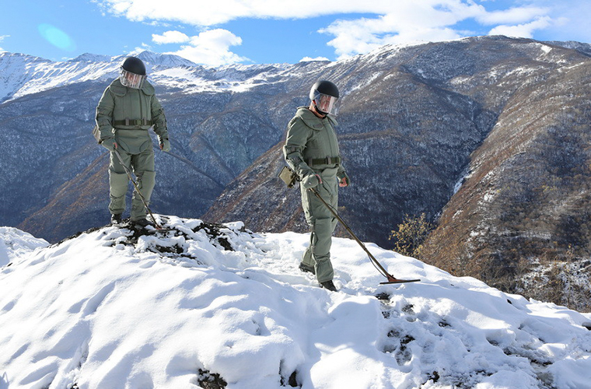 Ngam suong mat trang bi ra pha bom cua linh Cong binh Nga-Hinh-5
