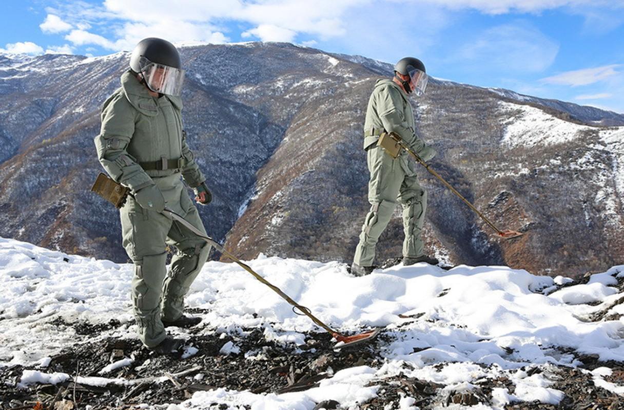 Ngam suong mat trang bi ra pha bom cua linh Cong binh Nga-Hinh-6