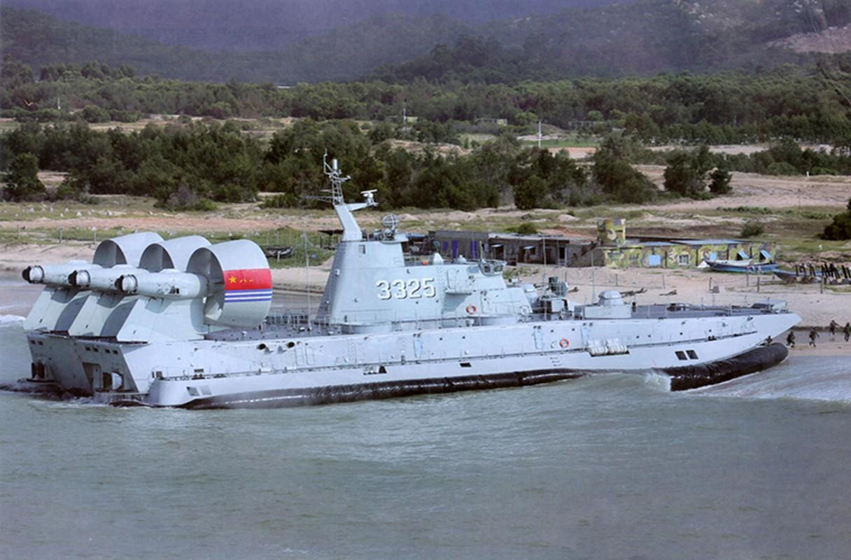 Kham pha noi dong sieu tau do bo Zubr o Crimea-Hinh-12