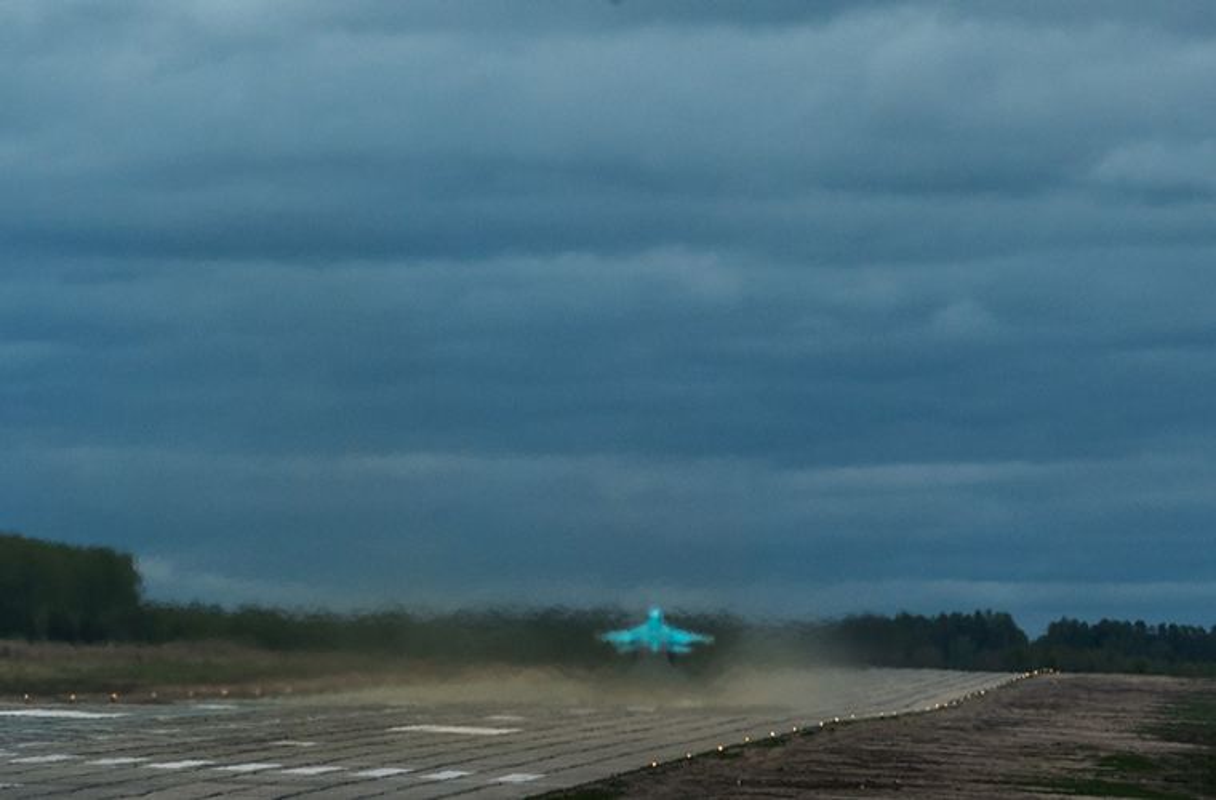 Lai tham noi san xuat may bay Su-34 VN co the mua-Hinh-15