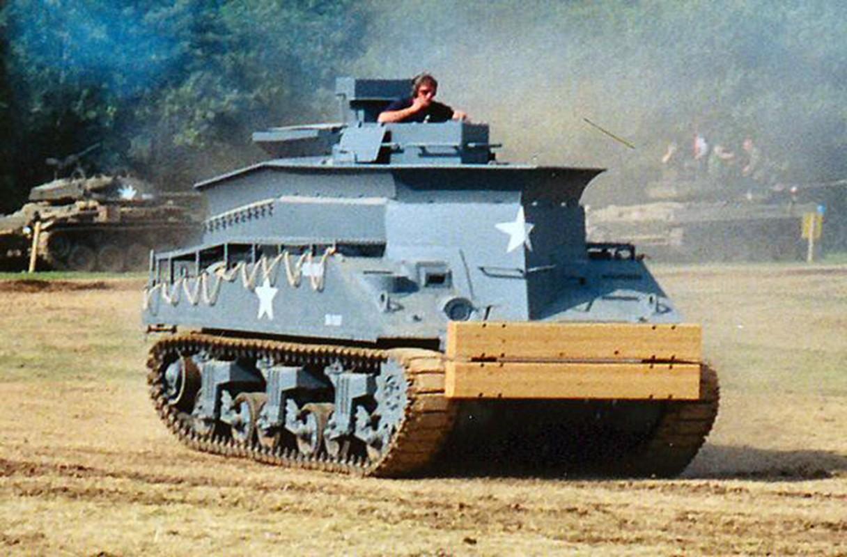 Loat thiet ke xe tang khong tuong giup Dong Minh mo man D-Day-Hinh-15