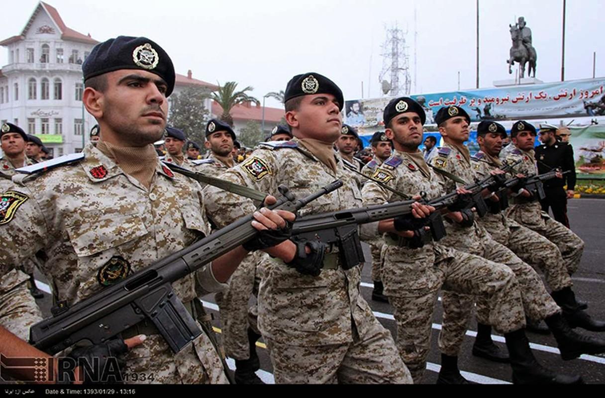 Iran mua khau sung truong AK Nga bai tran o Viet Nam-Hinh-6