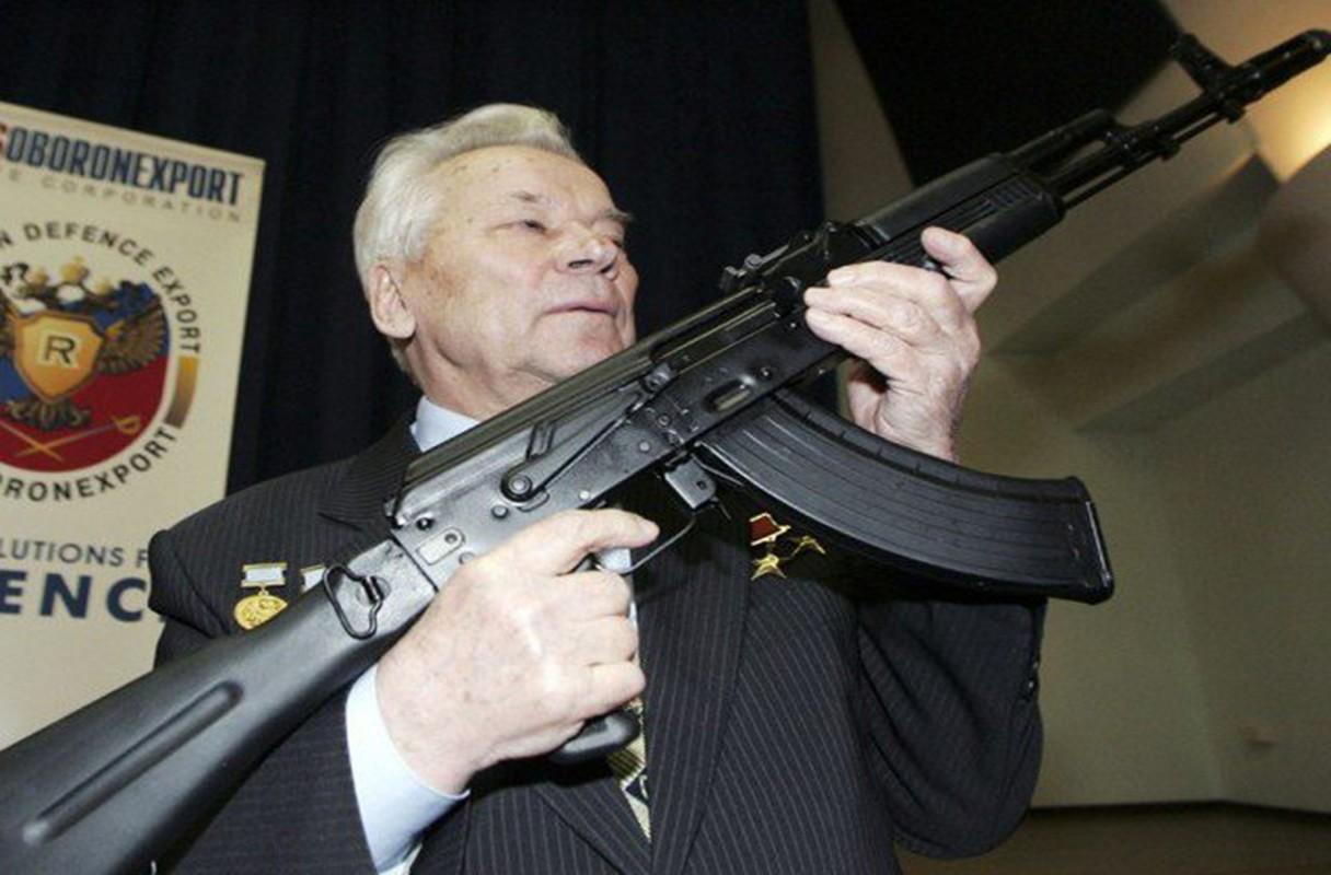 Iran mua khau sung truong AK Nga bai tran o Viet Nam-Hinh-7