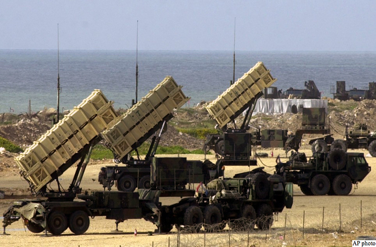 Tham hai: Dung Patriot va F-16, Israel khong ha noi UAV Nga-Hinh-4