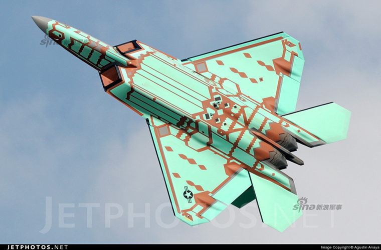 Kinh ngac ke thu tan cong sieu co F-22 ngay tai can cu-Hinh-8