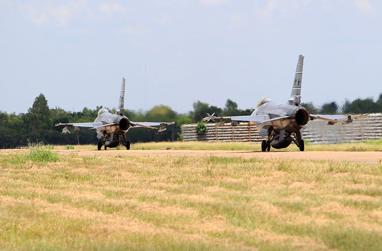 Lo dien tiem kich F-16 nang cap cua KQ Thai Lan-Hinh-3