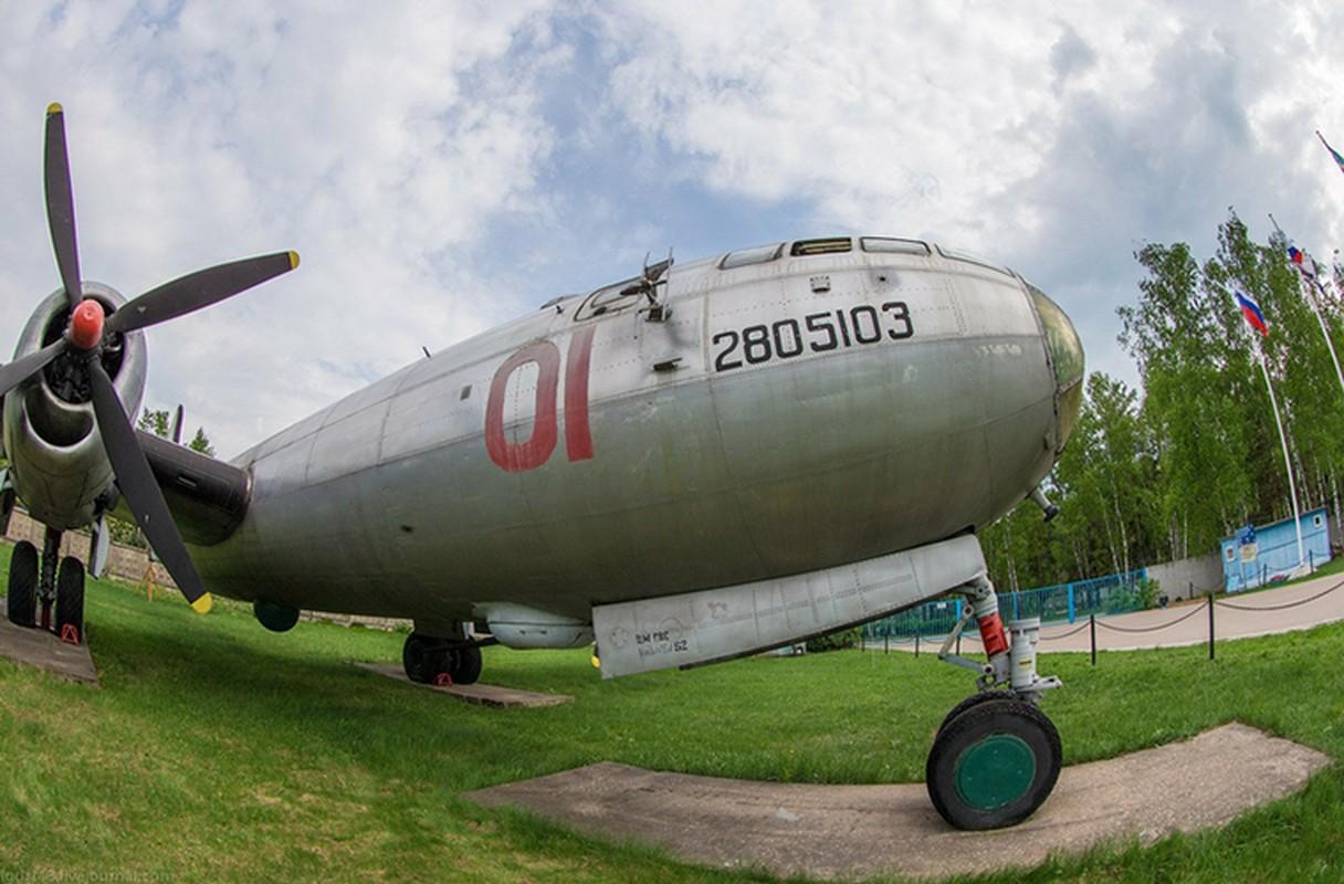Soi noi that may bay nem bom Tu-4 cuoi cung cua Nga-Hinh-14