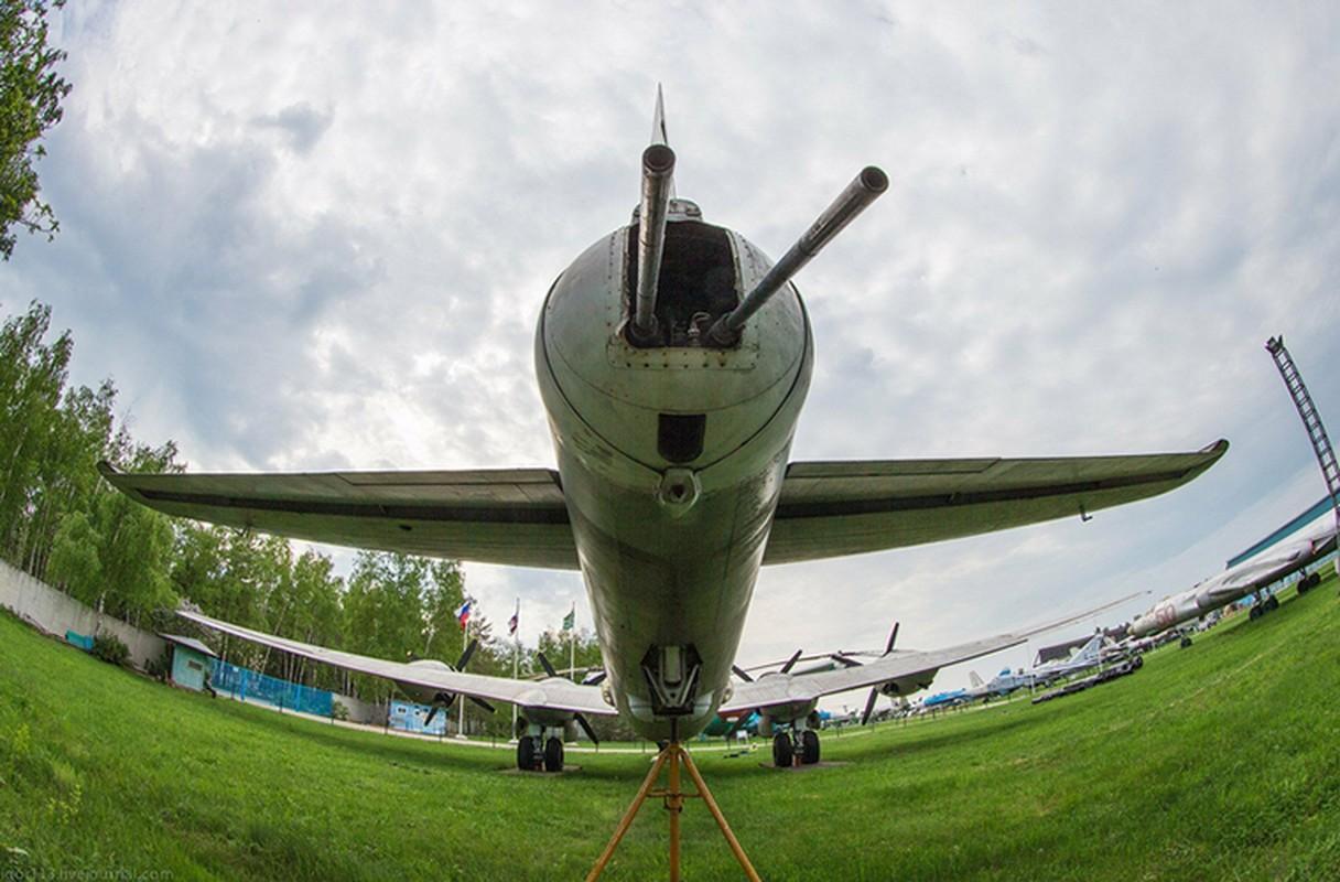 Soi noi that may bay nem bom Tu-4 cuoi cung cua Nga-Hinh-16