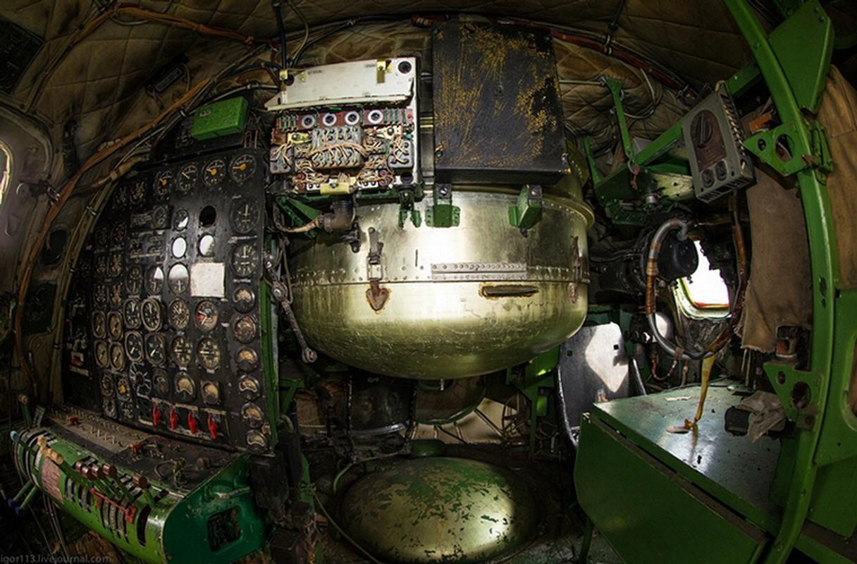 Soi noi that may bay nem bom Tu-4 cuoi cung cua Nga-Hinh-7