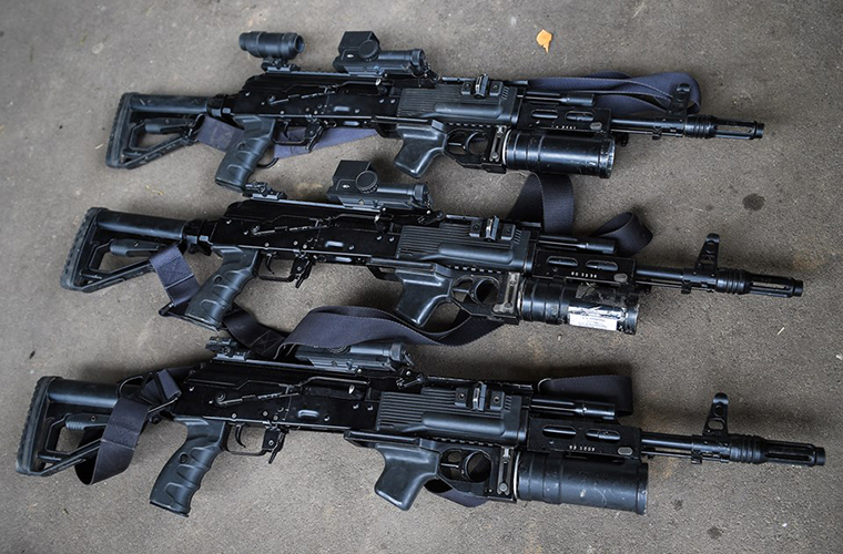 Sung truong AK-12 va A-545: Ai se duoc Quan doi Nga chon?-Hinh-4