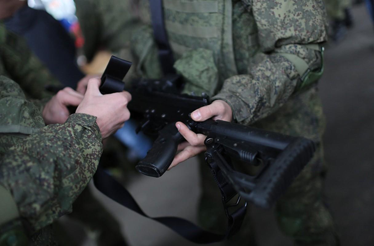 Sung truong AK-12 va A-545: Ai se duoc Quan doi Nga chon?-Hinh-5