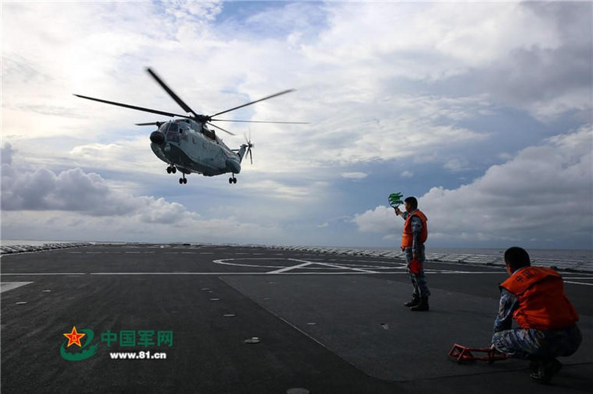 Anh: Tau do bo Trung Quoc tap tran lon tai Bien Dong-Hinh-9