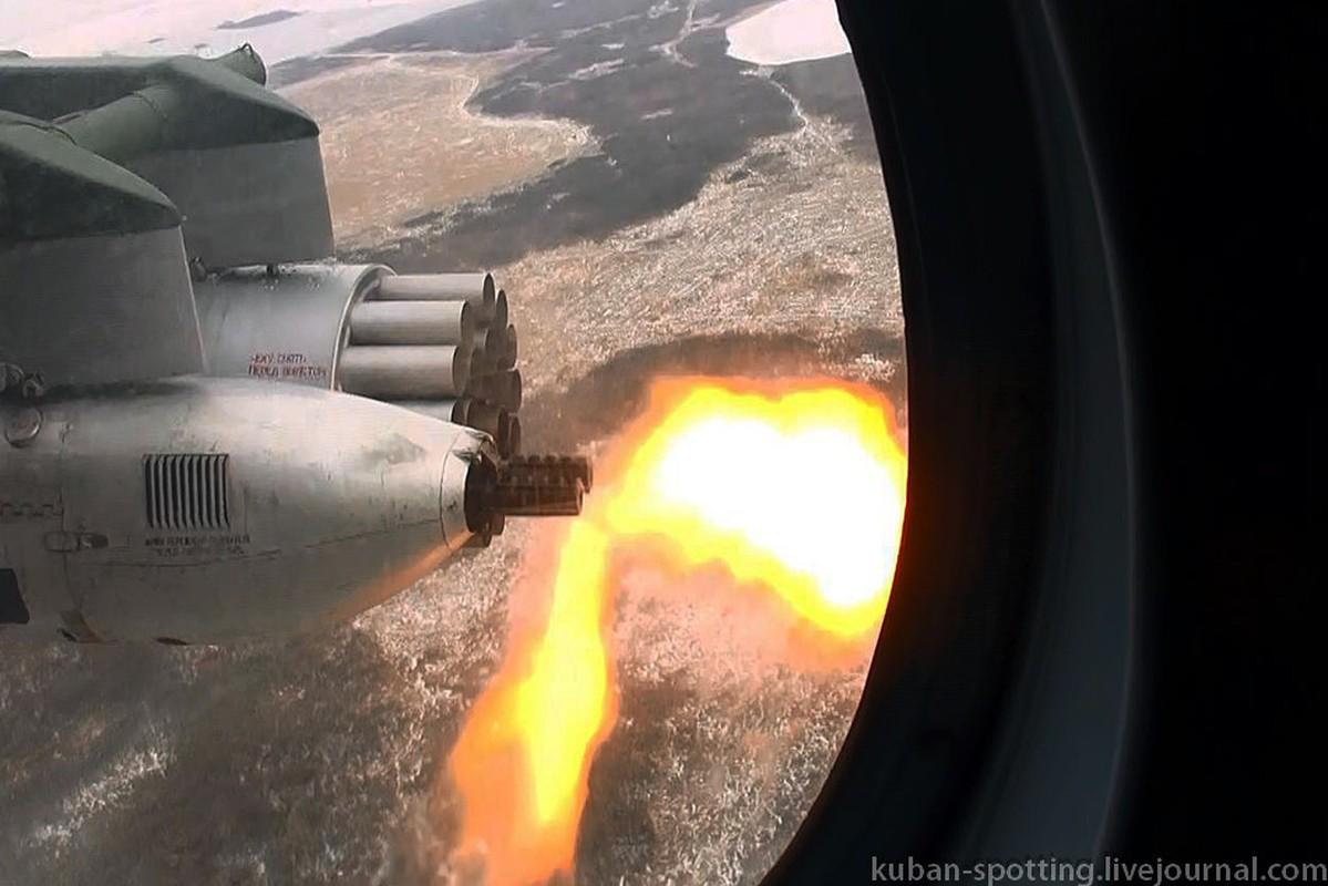 Dang so canh truc thang Nga phun mua dan phao, rocket-Hinh-9