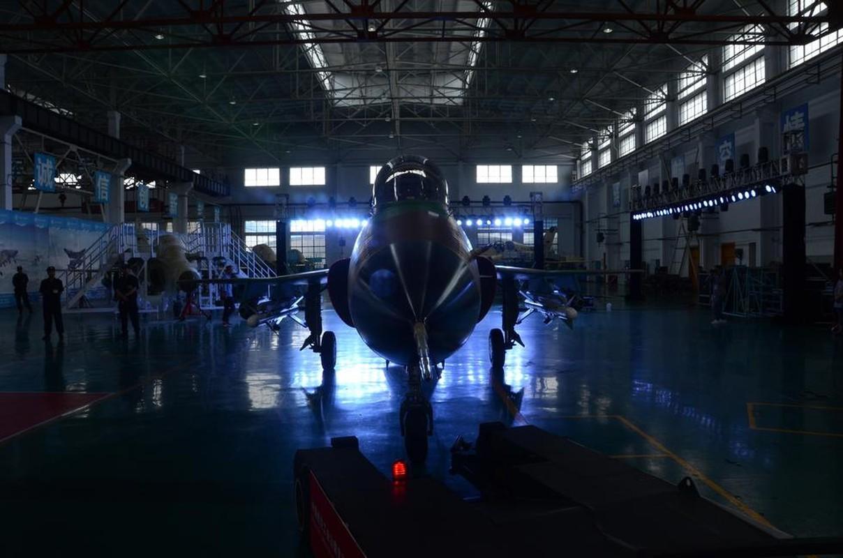 Can canh may bay huan luyen FTC-2000 Trung Quoc moi ra mat-Hinh-10