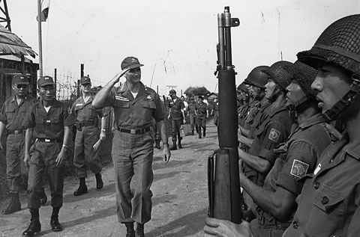 Kinh ngac loat vu khi thoi CTTG 2 My dem sang Viet Nam-Hinh-3