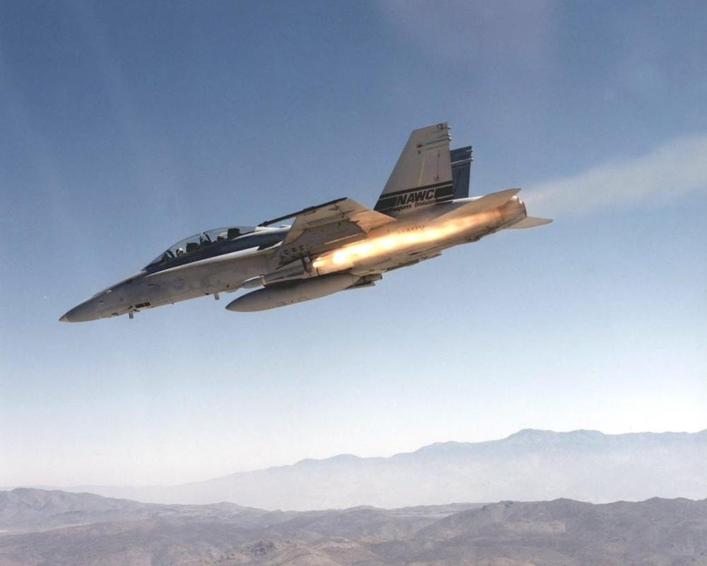 Hai quan My quyet noi khong voi F-35C, mua moi 78 F/A-18-Hinh-11