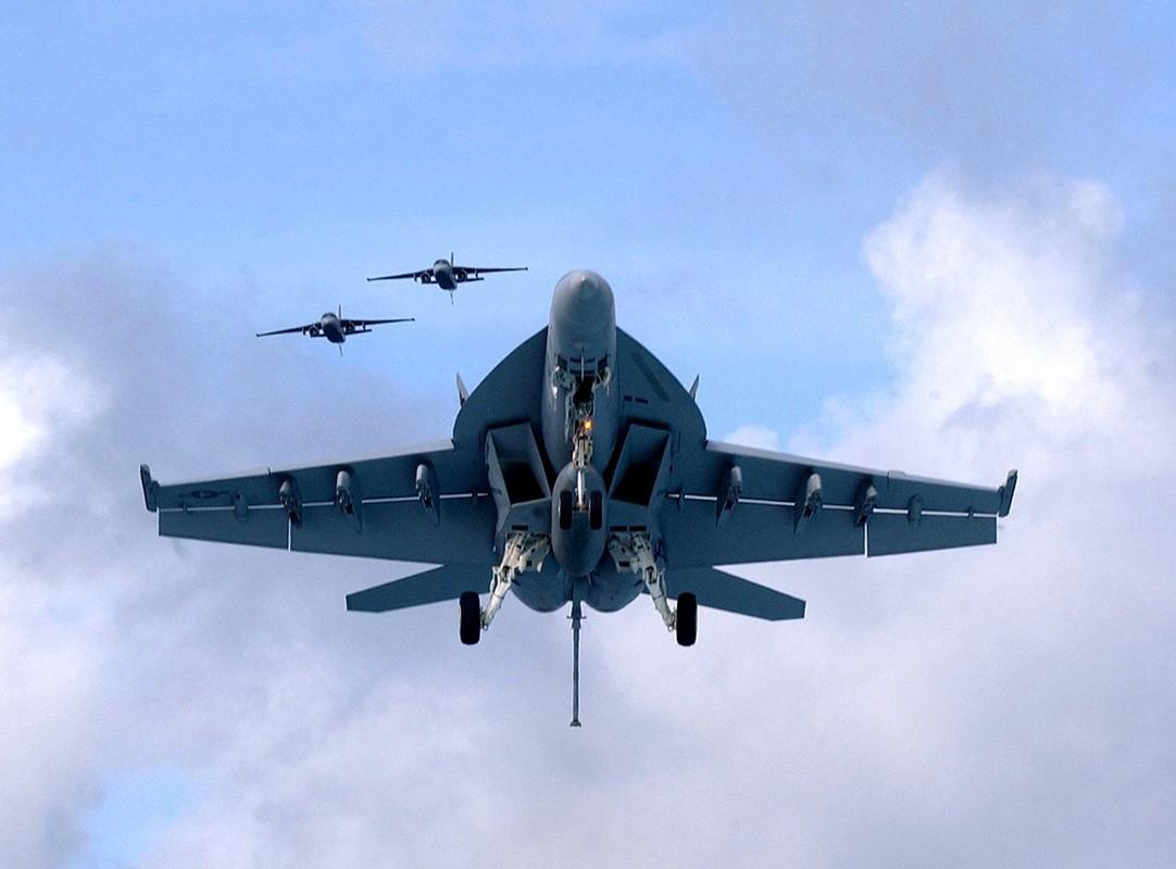 Hai quan My quyet noi khong voi F-35C, mua moi 78 F/A-18-Hinh-5