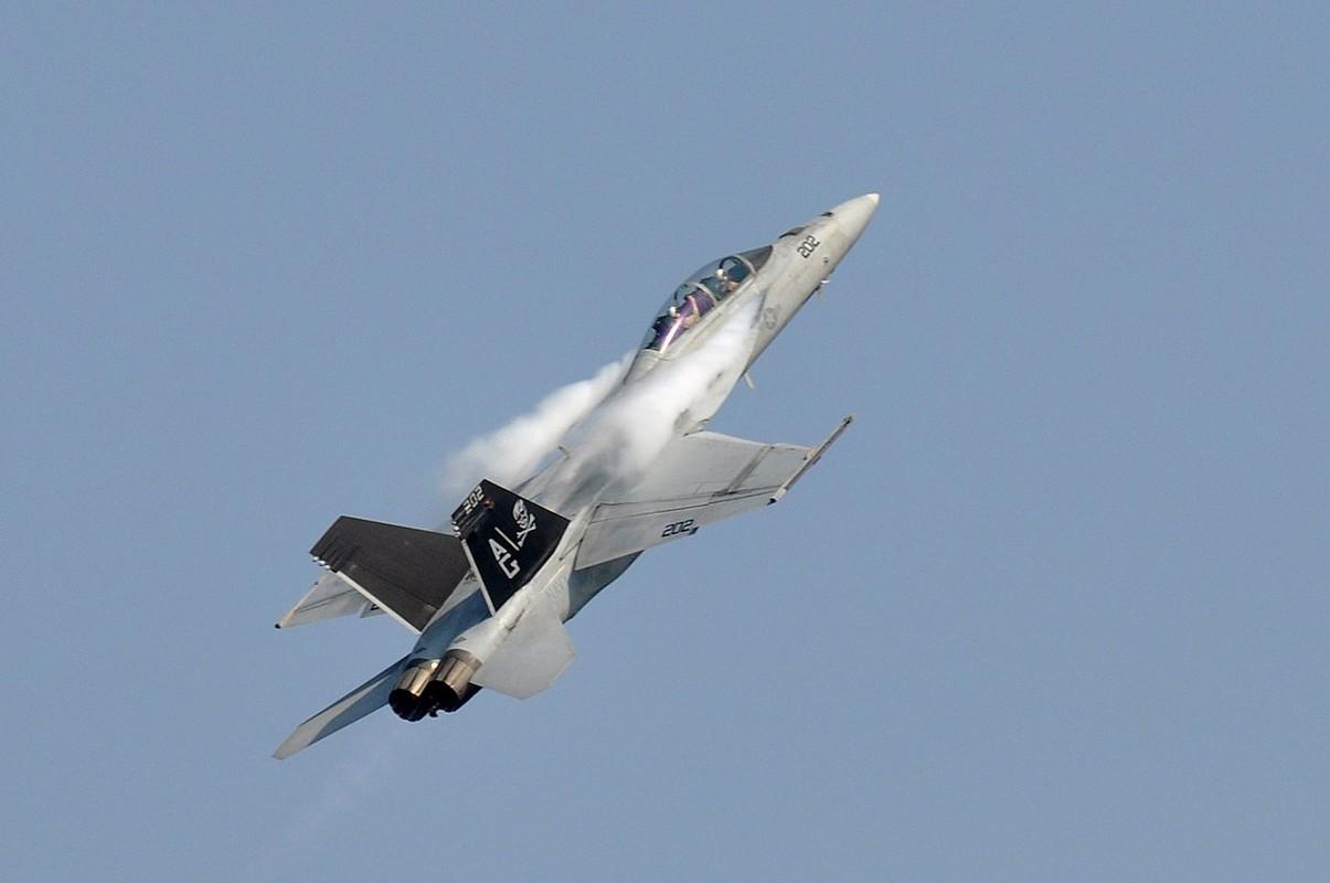 Hai quan My quyet noi khong voi F-35C, mua moi 78 F/A-18-Hinh-6
