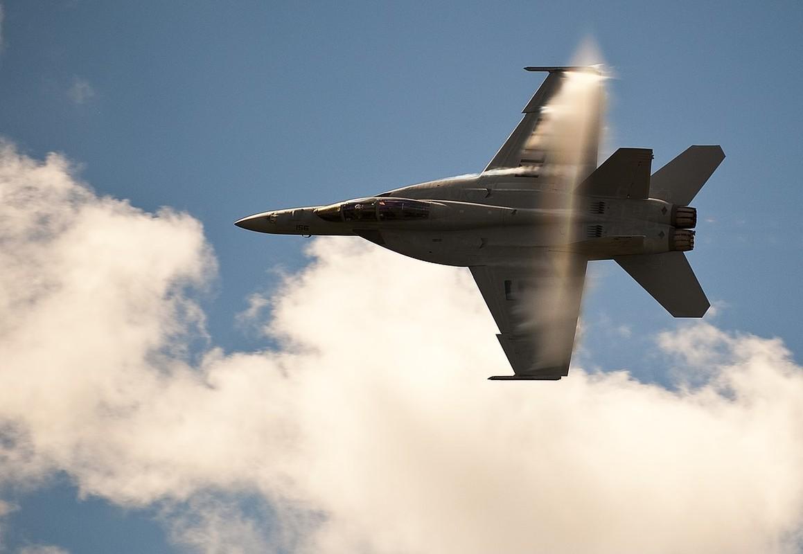 Hai quan My quyet noi khong voi F-35C, mua moi 78 F/A-18-Hinh-7