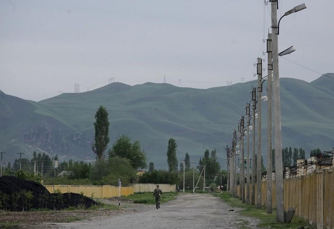Can cu quan su Nga o Tajikistan va Kyrgyzstan trong the nao?-Hinh-2