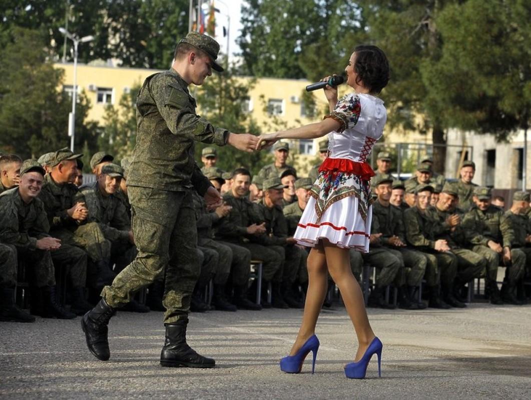 Can cu quan su Nga o Tajikistan va Kyrgyzstan trong the nao?-Hinh-3