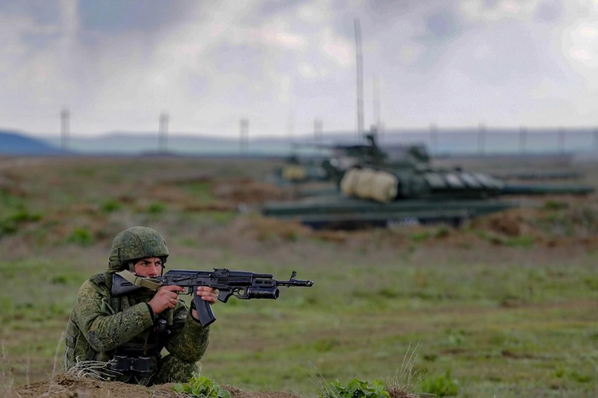 Muc kich hang nghin linh Nga do bo o at o Crimea-Hinh-12