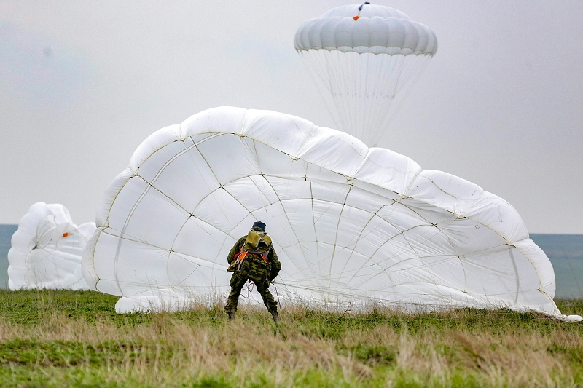Muc kich hang nghin linh Nga do bo o at o Crimea-Hinh-3