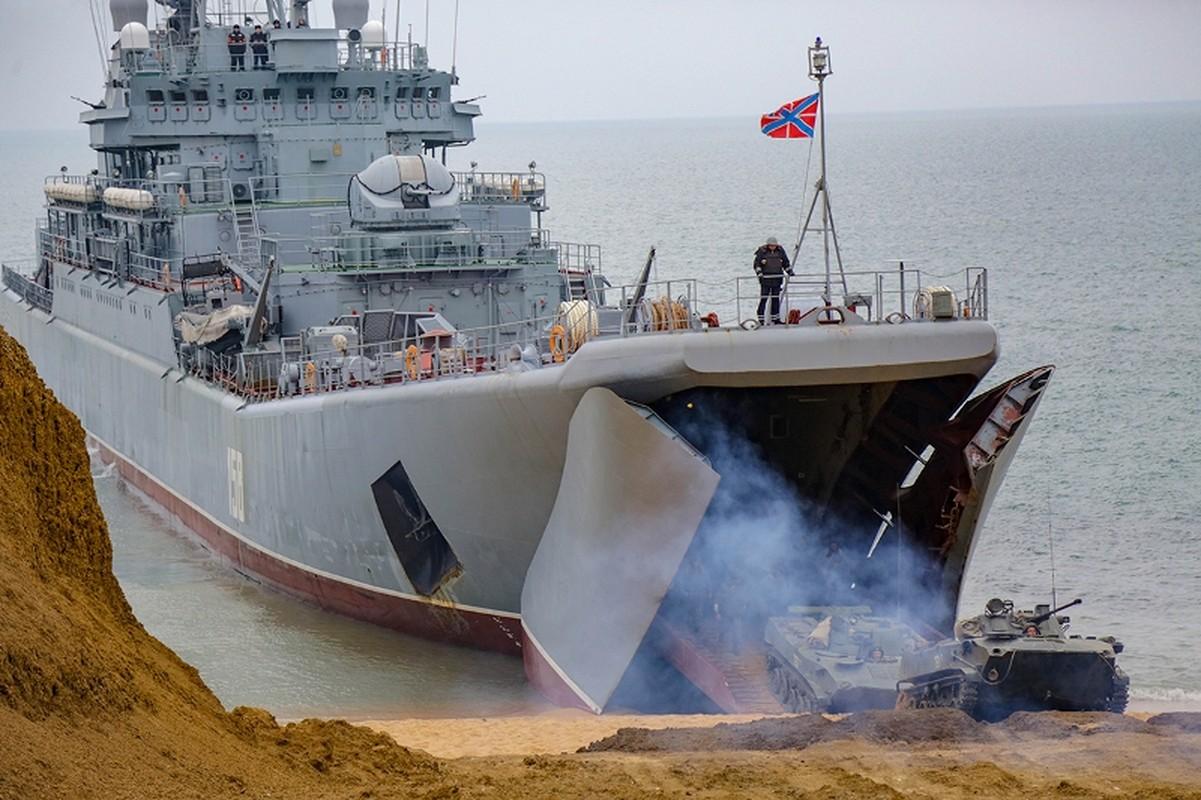 Muc kich hang nghin linh Nga do bo o at o Crimea-Hinh-5