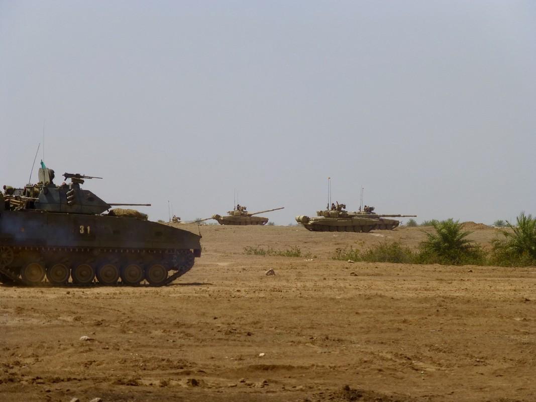 Hiem hoi: Quan doi Singapore duoc tap tran voi sieu tang T-90S