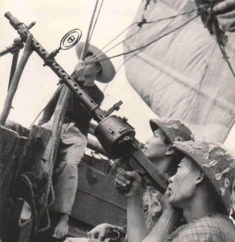 Giai ma loat sung may noi tieng CTTG 2 cua Viet Nam-Hinh-8