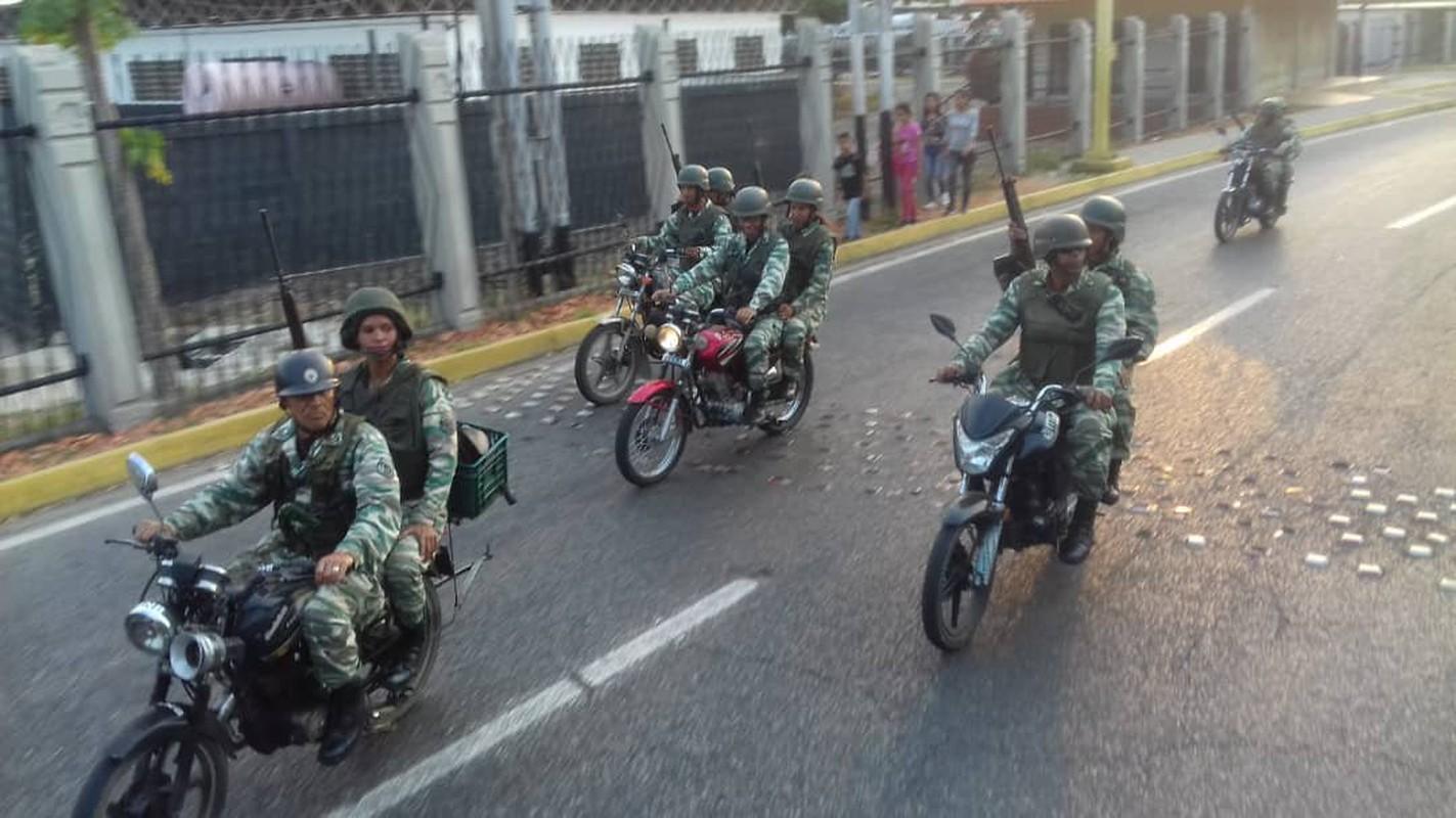 Hoanh trang dao quan nua trieu nguoi Venezuela dieu binh-Hinh-13